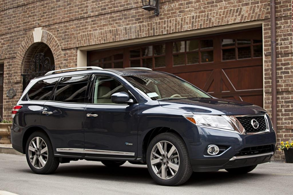 Nissan Pathfinder Hybrid Axed for 2016 Model Year | Nissan